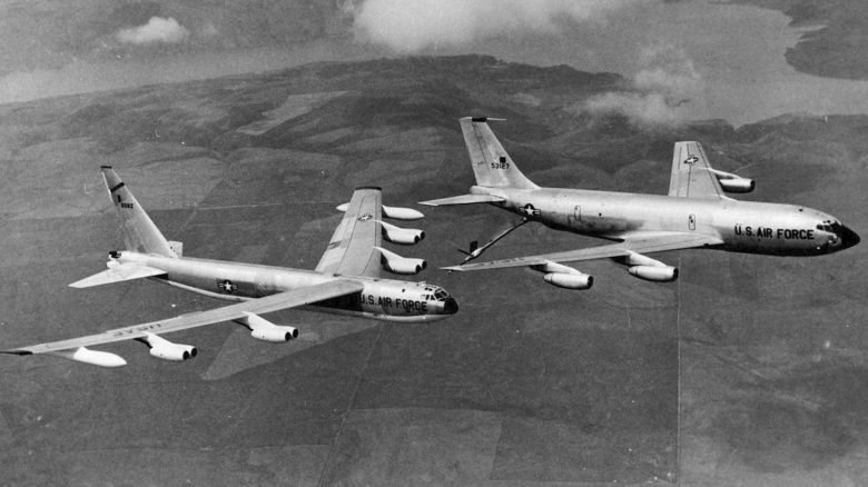 boeing_b-52d-70-bo_sn_56-0582_is_refueled_by_boeing_kc-135a-bn_sn_55-3127_061127-f-1234s-009-e1470931925982