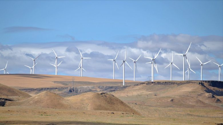 shepherds_flat_wind_farm_2011-e1470689194243