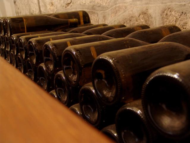 wine-bottles-640x480