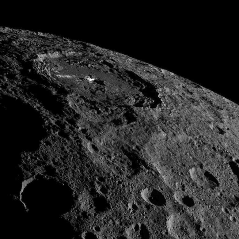 occator-crater-on-the-dwarf-planet-ceres